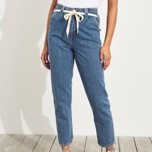 Nwt Womens Hollister Ultra High Rise Mom Jeans